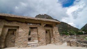 Ollantaytambo, Peru, 18 03 2018: Widok antyczny budynek przy terytorium Ollantaytambo archeological widok inka ruiny zbiory wideo