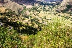 Ollantaytambo - vecchie fortezza e città di inca le colline della valle sacra (Valle Sagrado) nelle montagne delle Ande del Perù,  Immagini Stock