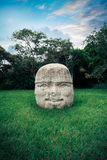 Olmec kolosalna głowa w mieście los angeles Venta, Tabasco obraz stock