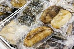 Olmo congelado e pepino de mar frescos, empacotado para o retalho imagem de stock royalty free