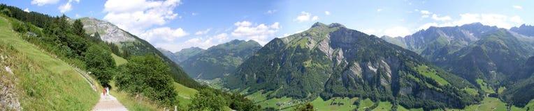 Olmo, Glarus, Suiza imagen de archivo libre de regalías