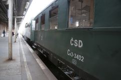 Olomouc捷克Rep 2011年10月15日 在火车站的历史蒸汽火车 免版税图库摄影