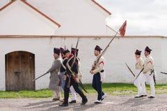 Olomouc捷克Rep 10月7日2017历史节日Olmutz 1813 拿破仑似的战士由一位好白天主教徒走 免版税库存图片
