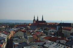 OLOMOUC, czech REPUBLIC-AUGUST 27, 2017: Widok z lotu ptaka Czeski miasto Olomouc przy lato rankiem Obraz Stock