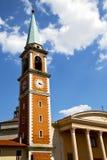 Olona Italien den gamla towen för klocka och för klocka för väggterrassfönster Royaltyfri Foto