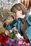 Olor de una flor fotografía de archivo