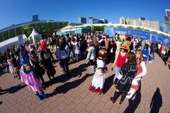 Olorful folk som utgöras som Manga Royaltyfri Bild