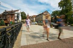 OLSZTYŃSKI, POLSKA, SIERPIEŃ - 21, 2015: Średniowieczni domy Olsztyński w centrum Olsztyński stary miasteczko Zdjęcia Royalty Free
