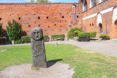 OLSZTYN, POLEN - 21. AUGUST 2015: Altes teutonic Schloss in Olsztyn (gotisches Kreuzfahrerschloss), Touristenattraktion von Ost-P Lizenzfreies Stockfoto
