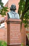 Olsztyn, Polen De mislukking van Nicolaus Copernicus ` s de Poolse tekst - aan Nicolaus Copernicus van dankbare ingezetenen van O royalty-vrije stock foto