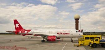 OLT drücken, Airbus 320 aus lizenzfreie stockfotos