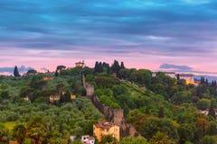 Oltrarno en Fortbelvedere in Florence, Italië stock fotografie