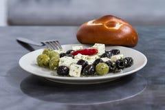 Olvies και τυρί Στοκ Εικόνες
