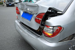 Olycka för bilkrasch på gatan Arkivfoto