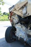 Olycka för bilkrasch på gatan, skadade bilar efter collisio Arkivbilder