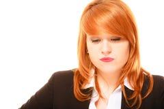 Olycklig röd haired affärskvinna Royaltyfri Bild