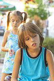Olyckliga barn Arkivfoto