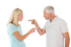 Olyckliga par som har ett argument Royaltyfria Bilder