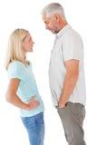 Olyckliga par som har ett argument Arkivfoton