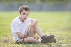 olyckligt barn för pojke Royaltyfri Bild