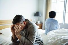 Olyckligt gift par som inte talar till de arkivfoto