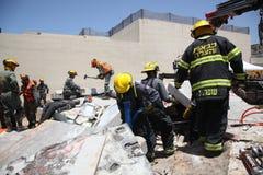 Olycksoffer för attack för fångvaktareräddningsaktionraket i Carmel Prison royaltyfria bilder