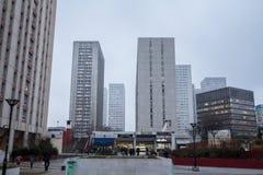 Olympiades广场在第13 arrondissement在巴黎,在亚洲区,包围由摩天大楼耸立 免版税图库摄影