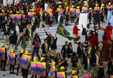 Olympiamannschaft Brasilien marschierte in die Olympicseröffnungsfeier Rios 2016 an Maracana-Stadion in Rio de Janeiro Stockfotos