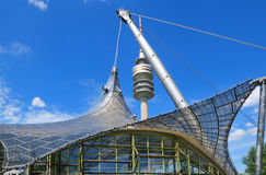 Olympiapark的体育场塔在慕尼黑 库存照片