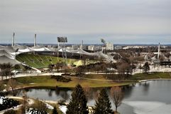 Olympiastadion, opinião do birdseye do Estádio Olímpico Munich foto de stock