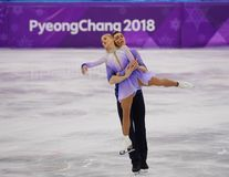 _olympisch kampioen Aljona Savchenko en Bruno Massot van Duitsland uit:voeren in de paar schaatsen vrij schaatsen bij de 2018 win royalty-vrije stock foto's