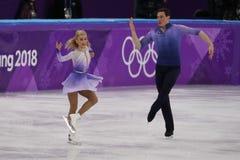 _olympisch kampioen Aljona Savchenko en Bruno Massot van Duitsland uit:voeren in de paar schaatsen vrij schaatsen bij de 2018 win stock afbeeldingen