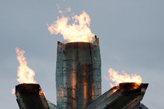 Olympische Flamme brennt in Vancouver 2010 Stockbild
