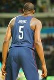 Olympische kampioen Kevin Durant van Team de V.S. in actie bij de gelijke van het groepsa basketbal tussen Team de V.S. en Austra stock foto