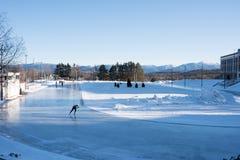 Olympische ovale Eisschnelllauf-Eisbahn Stockfotografie
