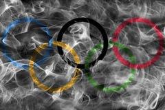Olympische Rauchflagge Stockbilder