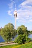 Olympische toren in München Stock Afbeeldingen