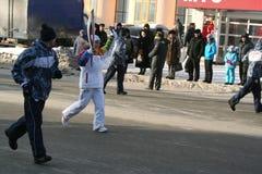 Olympische vlam. De stad van Oefa, respublika Bashkortostan, Rusland, 20 december, het jaar van 2013. Royalty-vrije Stock Fotografie
