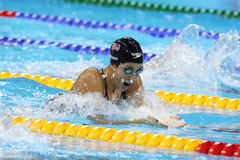 Olympischer Meister Madeline Dirado von Vereinigten Staaten schwimmt die Frauen ` s 200m Einzelpersonen-Gemisch-Hitze 3 von Rio 2 Lizenzfreies Stockfoto