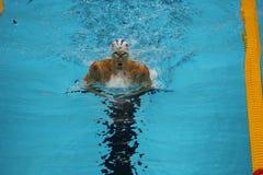 Olympischer Meister Michael Phelps von Vereinigten Staaten konkurriert am Einzelpersonengemisch die 200m der Männer des Rios 2016 Stockbild
