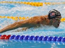 Olympischer Meister Michael Phelps von Vereinigten Staaten konkurriert am Männer ` s 200m Schmetterling in Rio 2016 Olympische Sp Lizenzfreie Stockfotos