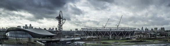 Olympischer Park Skylinelondons stratford Stockfoto