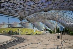 Olympisches Stadion München - Unterstützen des Dachs Stockfotos