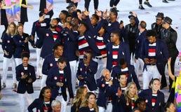 Olympisk lagUSA marsch på Maracana stadion under den Rio de Janeiroöppningscermonin 2016 Royaltyfria Bilder