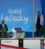 Olympisk mästare Katie Ledecky av Förenta staterna för kvinnornas konkurrensen för 800m fristil av Rio de Janeiro 2016 Arkivbild