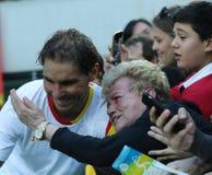 Olympisk mästare Rafael Nadal av Spanien med tennisfanen efter semifinalen för singlar för man` s av Rio de Janeiro 2016 OS Royaltyfri Fotografi