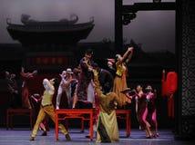 Om het huwelijk bij te wonen de gast-eerste handeling van de gebeurtenissen van dans drama-Shawan van het verleden royalty-vrije stock foto