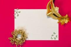 Om Lijst met Gouden Decoratie te doen Stock Foto