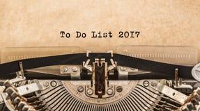 Om Lijst 2017 te doen getypte woorden op een oude Uitstekende Schrijfmachine Royalty-vrije Stock Fotografie