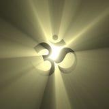 OM symbol som shinning den ljusa gloriasignalljuset Arkivbild